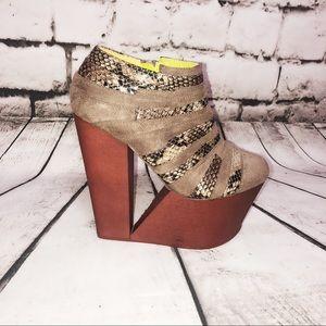 Privileged High Platform Cut Out Wedge Flax Shoe 7